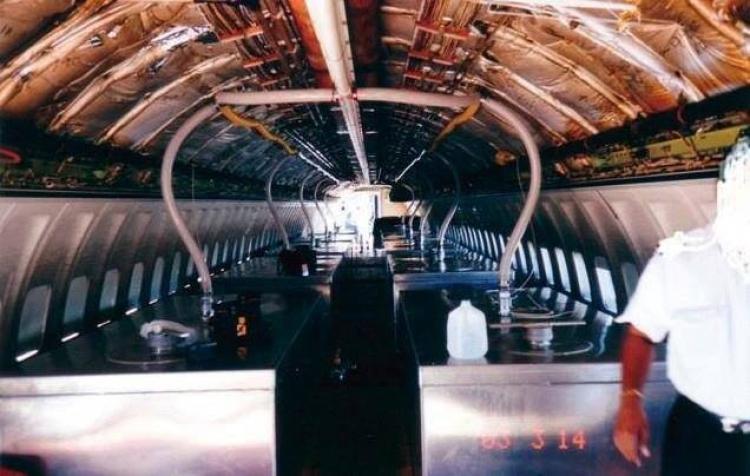 Fotografie vnitřků chemtrailsových letadel, které jste nejspíše ještě neviděli