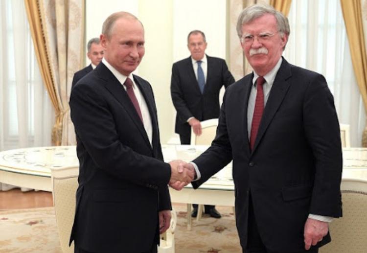 Bolton - Putinova slova, která prý nebyla přeložena!