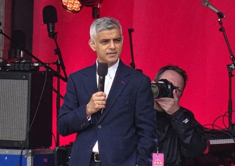 Pryč s bílými rasisty: Londýnský starosta chce větší rozmanitost soch. Požaduje více černochů, asiaty a LGBT lidí