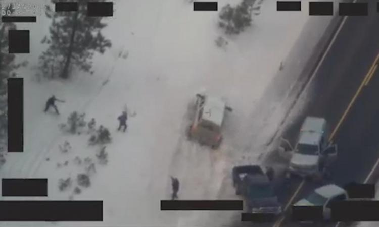 Americký policista zastřelil zezadu rebelujícího farmáře. FBI zveřejinila video