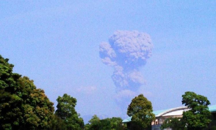 Globální mafie pod útokem na celém světě, válka pokračuje zničením podzemních vojenských základen V Japonsku