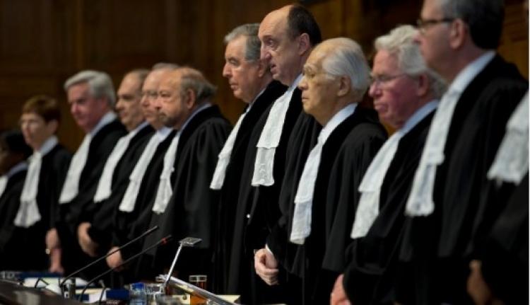 Soud v Haagu stíhá Američany. USA jej navrhují zničit