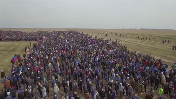 V DLR probíhá největší mobilizace v dosavadní historii. Přišly tisíce odhodlaných bojovníků...