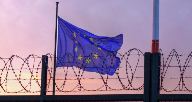 Je to tady! Rakousko zavádí kontroly na hranicích a ruší Shengen