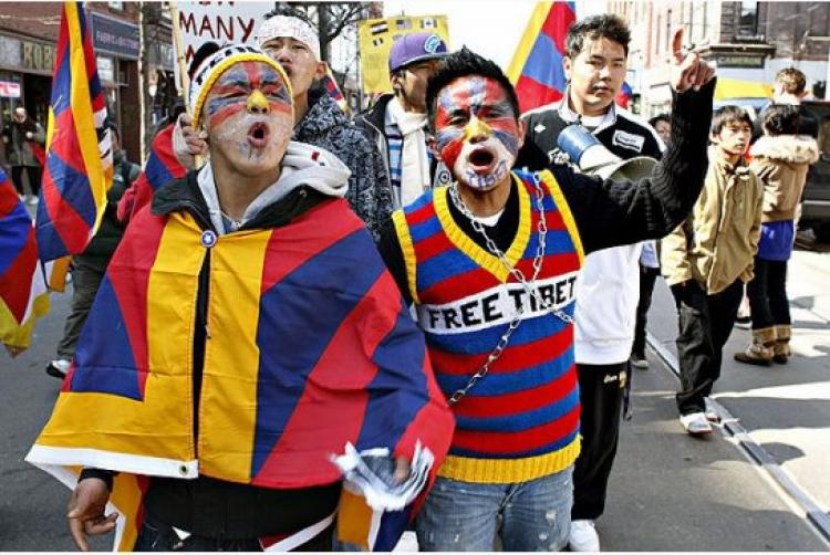 Protestujete? 7 věcí, které byste měli vědět, než se zabalíte do tibetské vlajky