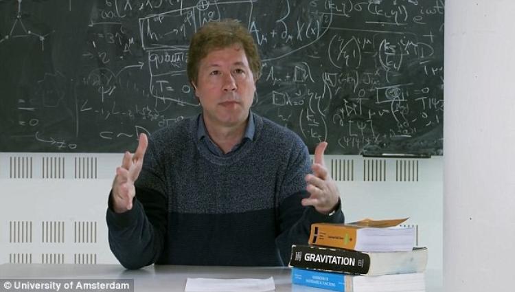 Vítejte v Matrixu. Americký profesor publikoval převratnou teorii. Gravitace je iluze a ve skutečnosti neexistuje!