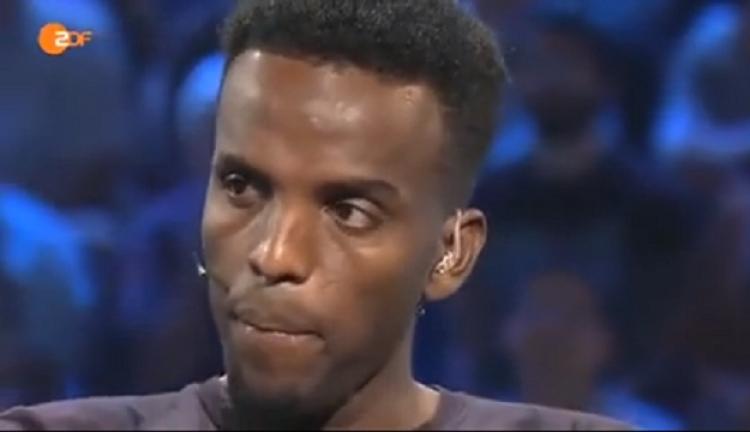 To, co si dovolil tento migrant ze Somálska je neuvěřitelné. A poté mu lidé ve studiu ještě tleskají...
