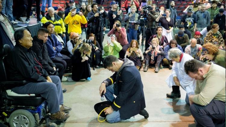 Událost, která vstoupí do dějin. Američtí veteráni se omluvili indiánům v Dakotě