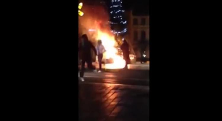 """Stalo se něco, o čem mainstreamová média raději pomlčela. """"Uprchlíci"""" zápálili vánoční strom v Bruselu..."""