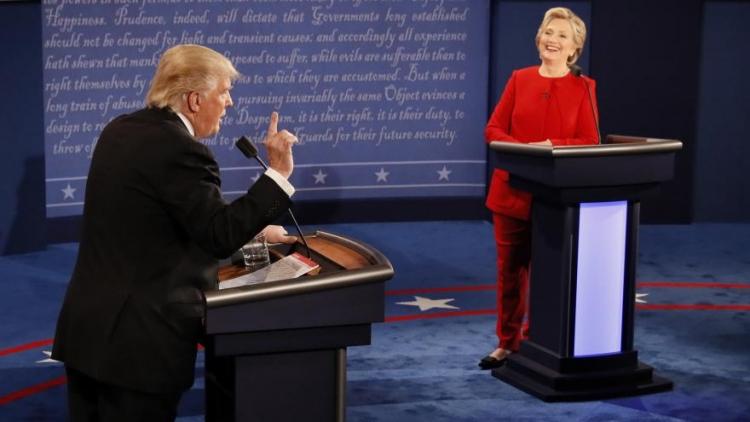Oficiálně potvrzeno – ČT nadržovala Clintonové. Ponese někdo následky?