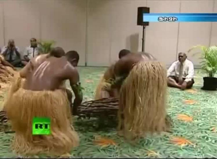 Ruský ministr zahraničí navštívil Fidži a nečekal, jaké hostitelé přichystají překvapení