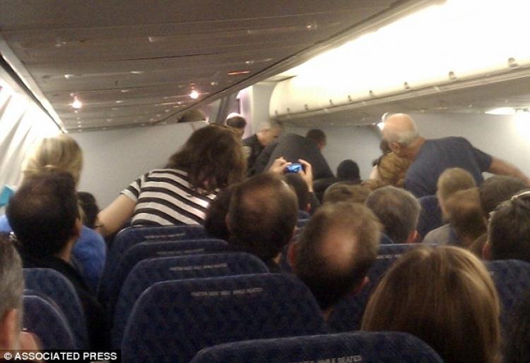 Drama v letadle z Prahy: Allahu Akbar, křičely ženy, cestující zažili let hrůzy