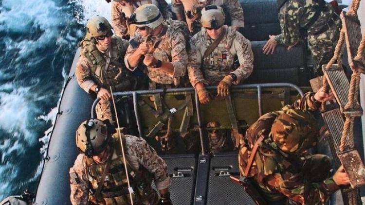 Útok začíná. USA poslaly do Sýrie ozbrojenou armádu. Další na řadě je Kuvajt