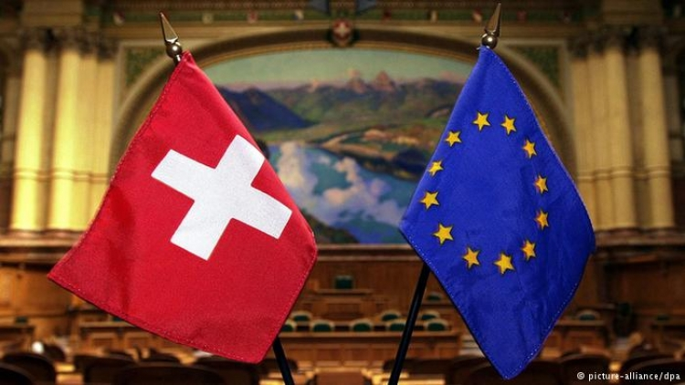"""Švýcarsko stáhlo žádost o vstup do EU: Pouze """"šílenci"""" by se nyní připojili"""