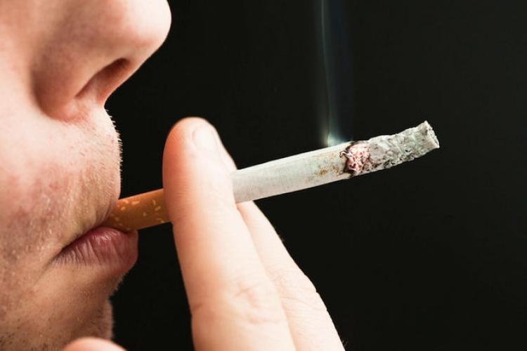 Kouření má na lidské tělo pozitivní efekt, zjistili vědci. Brání osteoporóze i Parkinsonově chorobě