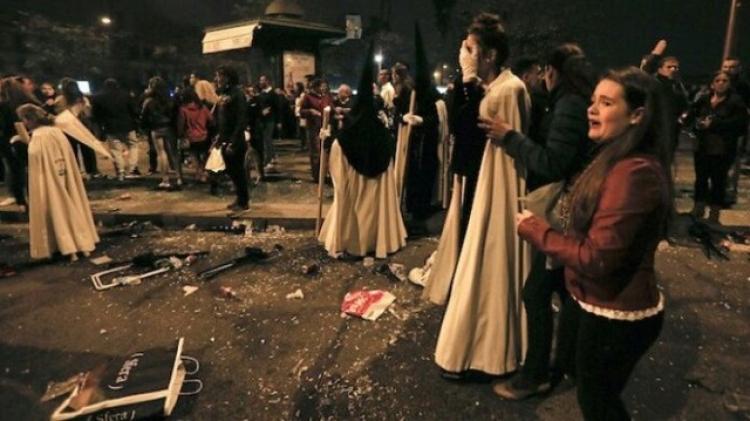 Panika ve Španělsku: skupina muslimů zaútočila na křesťany železnými tyčemi