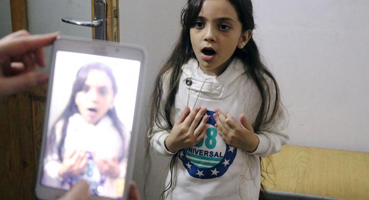 Nechutná propaganda skrze nevinné dítě. Sedmiletá Bana nyní bojuje proti Trumpovi