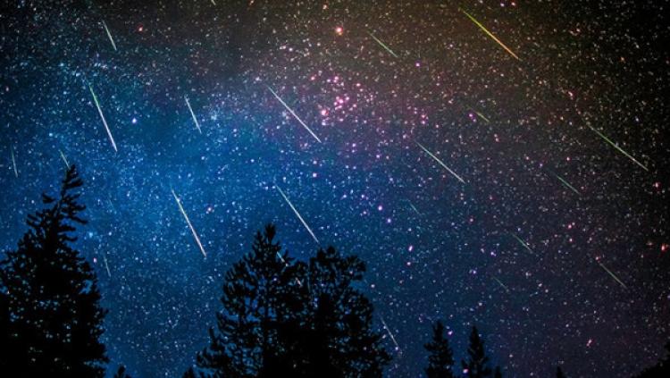 O víkendu budou padat hvězdy. V noci na neděli vyvrcholí meteorický roj Perseid