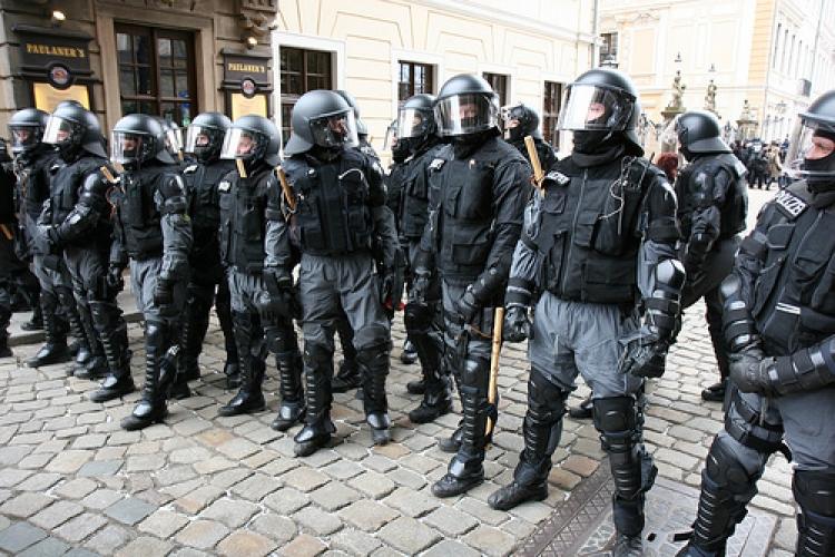 To tu ještě nebylo. Německá policie dostala povolení a může kdykoliv zasahovat na území ČR