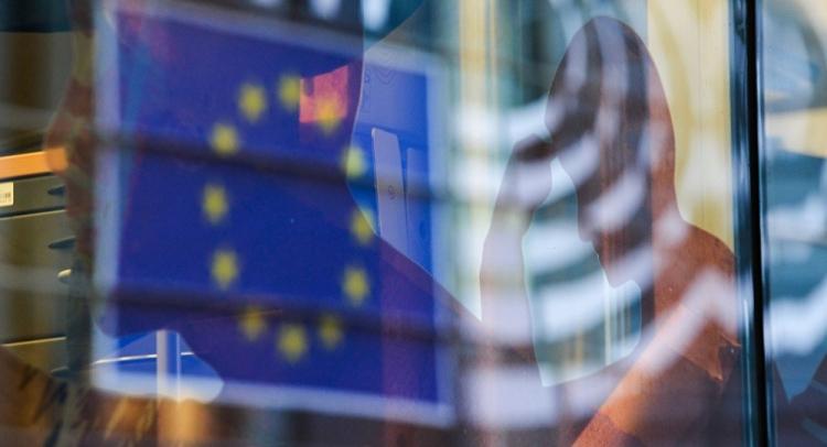 Další perla z Bruselu. Zákaz otevírání oken? U nás již funguje a na Slovensku od roku 2020