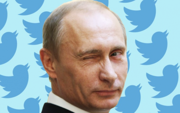 Putin podepisuje zákon umožňující sankce na americké giganty sociálních médií, které 'označují' a omezují ruský obsah