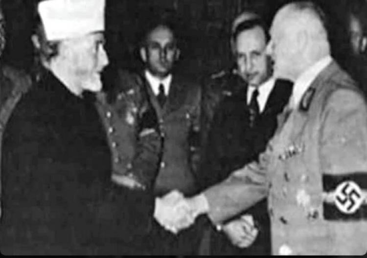 Dostal šest měsíců vězení za to, že napsal článek o spolupráci muslimů s nacisty