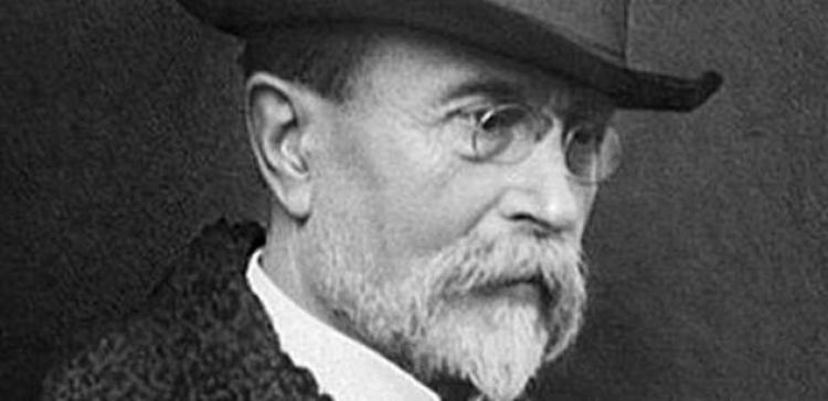 Dozvědí se někdy Češi vůbec pravdu? Přísně střežené tajemství znají pouze čtyři lidé, tupý dav je smí poznat až za sto let