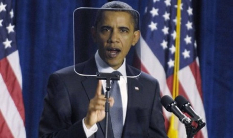 Chyba v Matrixu? Americký prezident se v přímém přenosu začal chovat jako robot