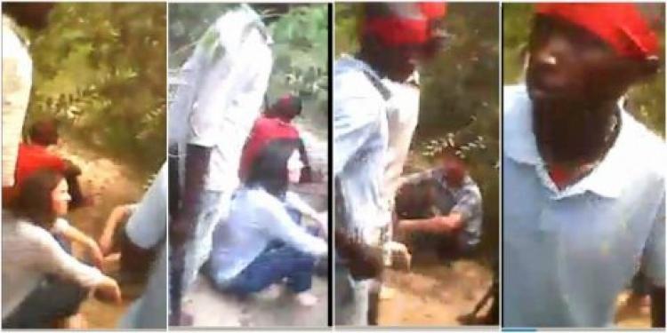 Na veřejnost uniklo šokující video z popravy dvou humanitárních pracovníků v Africe