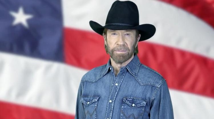 Chuck Norris vydal zásadní prohlášení. Všichni jsou překvapeni. Může ovlivnit prezidentské volby v USA?