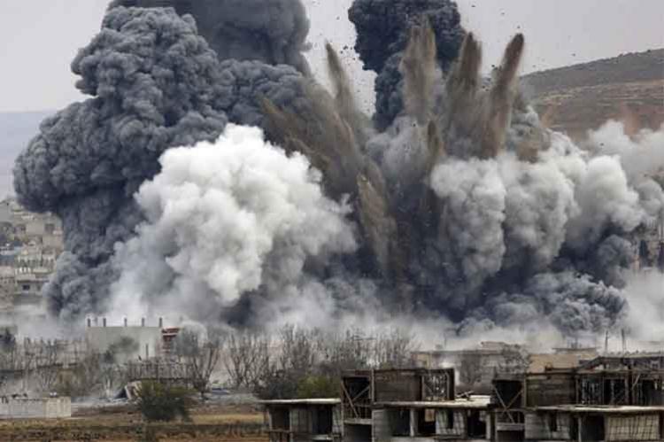 Po útoku koalice na sklad IS s chemickými zbraněmi v Sýrii zemřely stovky lidí. Nyní je důkaz, že je teroristé vlastní