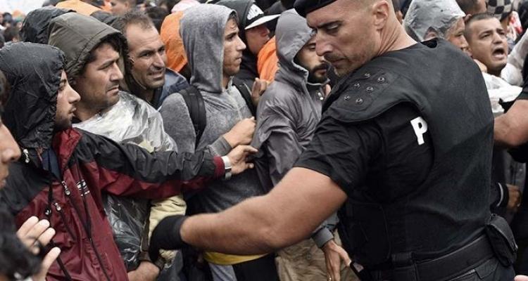 Novinář pracoval měsíce v utajení mezi tzv. uprchlíky. Z jeho zprávy jde mráz po zádech