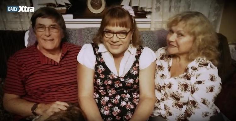 Zvrácený svět? Muž zanechal rodinu a nechal se adoptovat jako 6ti leté děvčátko