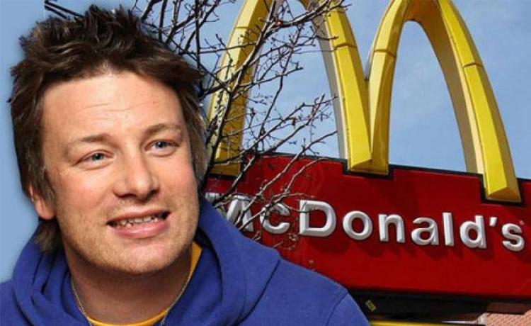 Jamie Oliver vyhrál soud: McDonald's změní složení hamburgerů