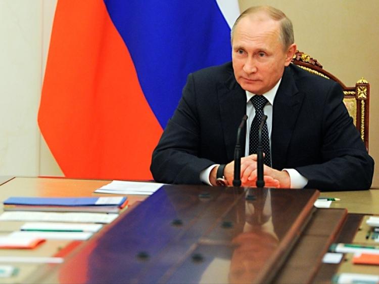 Trojitý úder Vladimira Putina. Skládá se ze 7 jednoduchých kroků