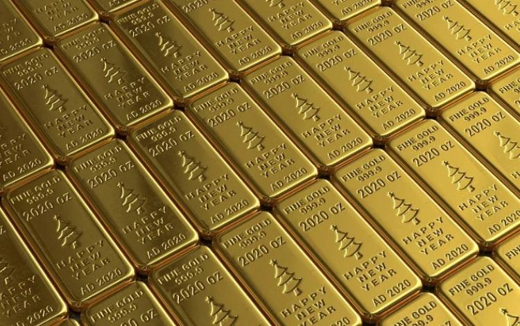 Ceny zlata obnovily historické maximum. Příčinou je pandemie koronaviru a čínsko-americké napětí