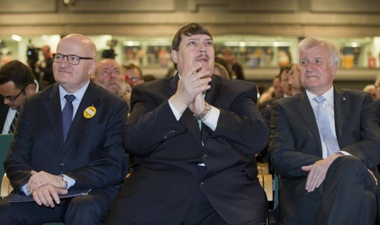 Ministr kultury Herman věnuje 50,5 miliónů Kč z našich daní na výstavbu trvalé obří výstavy Naši Němci