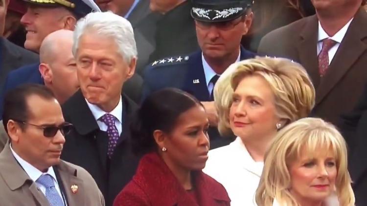 Hillary přichytila Billa, jak v průběhu inaugurace hleděl na půvabnou dívku a takhle to dopadlo...
