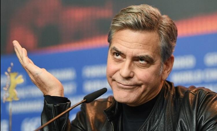 Slavný herec a obhájce imigrace bere kramle a utíká z Evropy. Už se zde kvůli islámskému terorismu necítí bezpečně