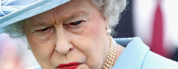 Je královna Alžběta člověk? Diváci jsou silně znepokojeni během přímého vysílání oslavy narozenin