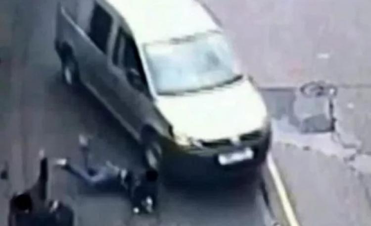 Muslim, který v Anglii najel ve vzteku autem do chodců, dostal nižší trest. Kvůli Ramadánu.