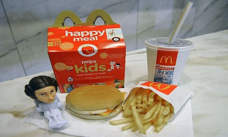 Žena u sebe měla jídlo pro děti z McDonaldu po dobu 6 let a z výsledku budete v šoku