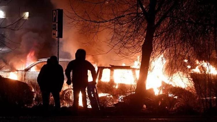 Britská vláda varuje před cestou do Švédska kvůli zločinnosti, střelbě a explozím