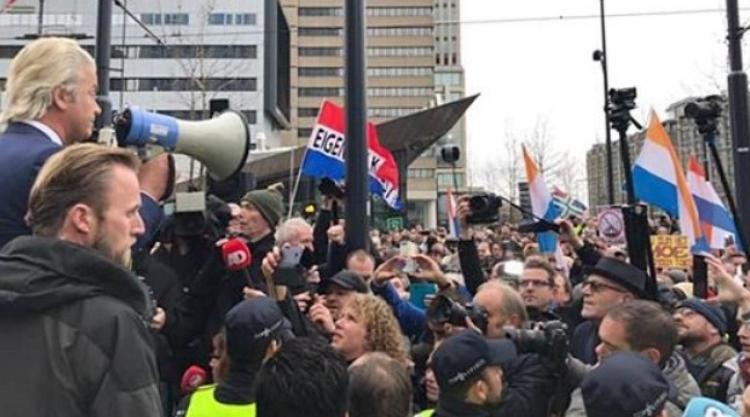Rotterdam: Stovky lidí demonstrovaly proti islamizaci Holandska a diskriminaci Holanďanů