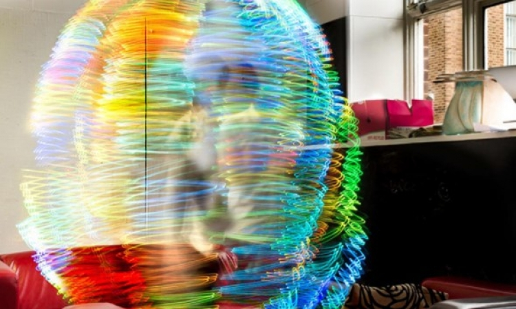 Děsivé fotografie elektromagnetických polí kolem WiFi odhalují, co způsobují