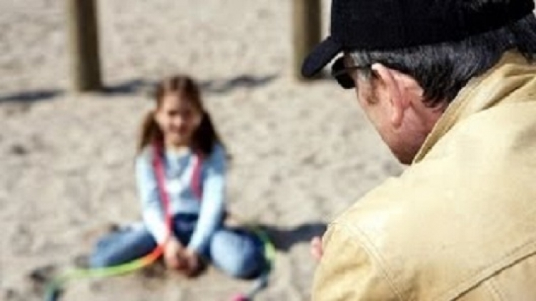 Německé úřady dávaly vědomě děti pedofilům. Sex s dětmi prý není špatný