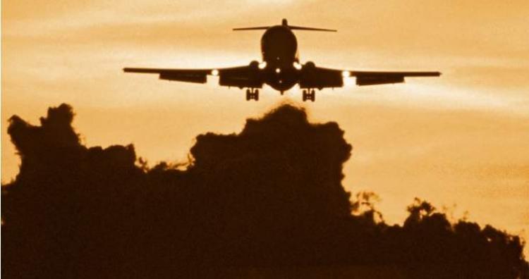 Jaké pasažéry vozí tajně v noci do Německa přistávající letadla?