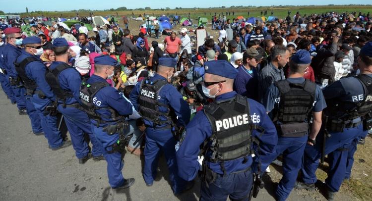 Česko pošle kvůli uprchlíkům 42 milionů do Srbska a Jordánska