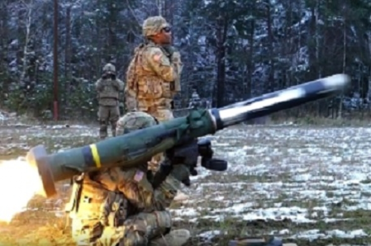 """Pomůže americká """"zázračná zbraň""""? Ukrajinci vkládají naděje do Javelinu, jenže…"""