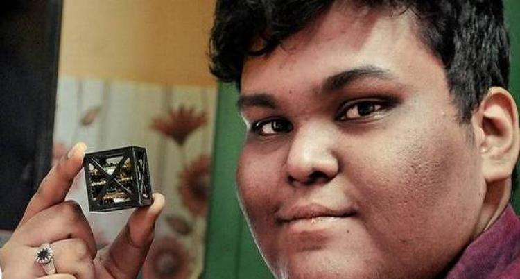 Teenager sestrojil nejlehčí satelit na světě. NASA s ním okamžitě začala spolupracovat